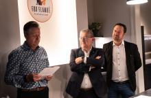 Opening tentoonstelling De Rode draad door de Ezelstraat - Burgemeester D. Defauw, Schepen P. Annys en Dhr. Spegelaere